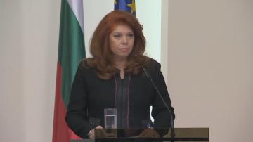 Илияна Йотова: Работата със сънародниците ни зад граница е моя постоянна тема