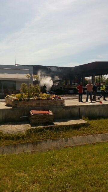 снимка 3 Взрив в бензиностанция на магистрала Тракия