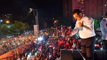 Екрем Имамоглу печели изборите за кмет на Истанбул