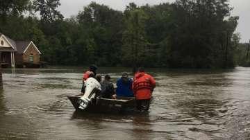Тропическата буря Имелда взе пет жертви