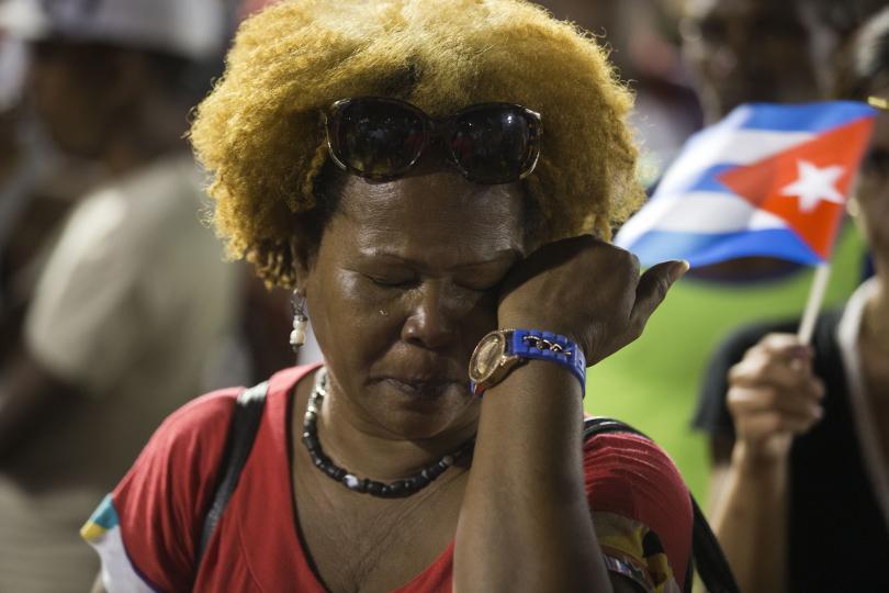 снимка 3 Половин милион кубинци и много чужди политици на погребението на Фидел Кастро