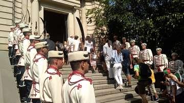 Празникът в София: Честване пред мавзолея-костница на княз Александър Батенберг