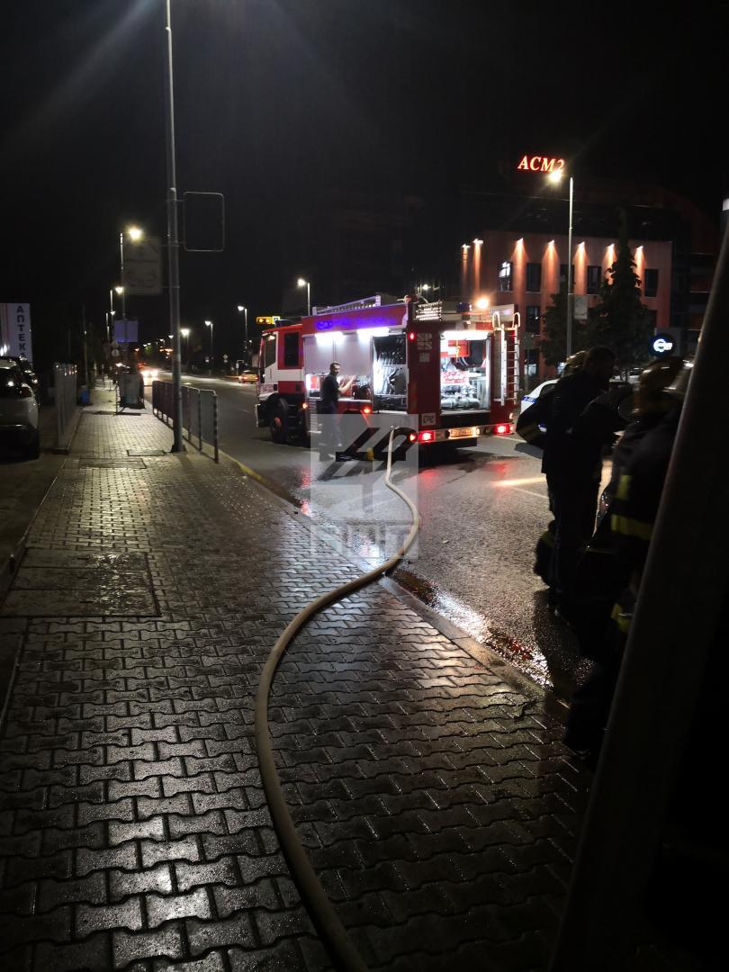 снимка 3 Джип се запали на бул.Черни връх, няма пострадали