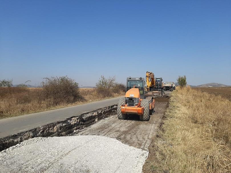 Снимка: Стартира ремонтът на пътя Мездра – Роман