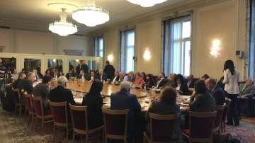 Със скандал започна приемането на бюджета на НЗОК в бюджетна комисия