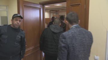 Двама от разкритата група за имотни измами остават в ареста