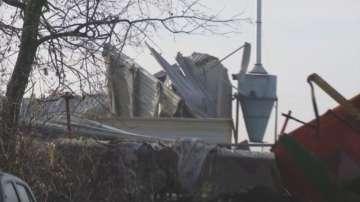 Двама от пострадалите при авария в цех в село Симеоново остават в болница