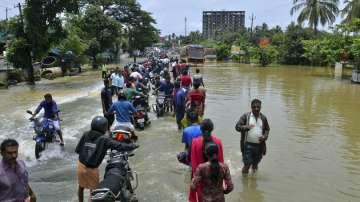 Няма данни за пострадали българи при наводненията в Индия