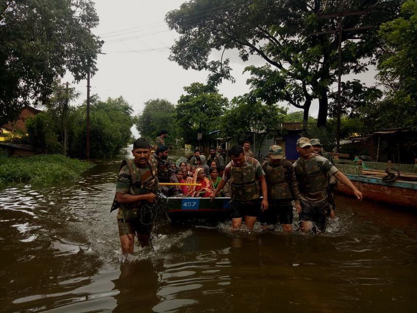 Най-малко 147 души загинаха в резултат на обилните дъждове и