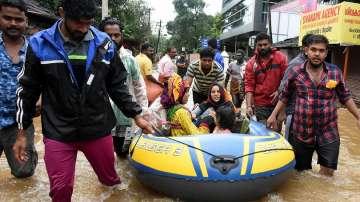 След 10 дни невиждан порой, валежите в Индия най-после спират