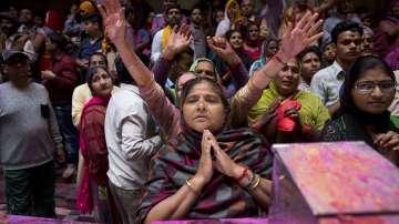 Индиийците посрещат пролетта с празника Холи