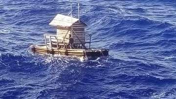 Тийнейджър беше спасен в Индонезия след 49 дни в океана