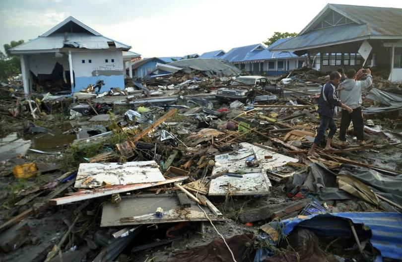 броят жертвите земетресенията вълните цунами индонезия надхвърли 400