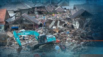 373 са загиналите от цунамито в Индонезия, остава опасността от ново бедствие