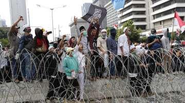 Загинали и ранени след вчерашните протести в Индонезия