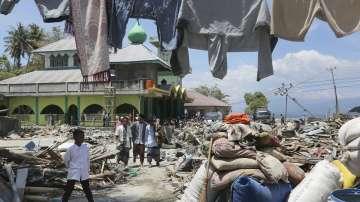 Няма надежда за оцелели след земетресението в Индонезия