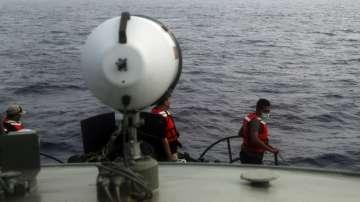 Намерена е черната кутия на катастрофиралия в Индонезия самолет