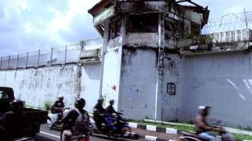 Дръзко бягство на българин от индонезийски затвор