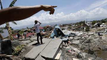 Хуманитарна криза в пострадалите от земетресенията и цунамито в Индонезия райони