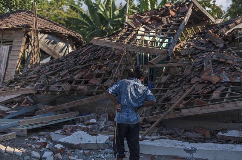 надежда оцелели отломките труса индонезия