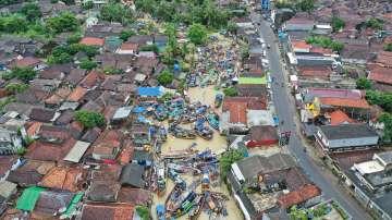 След бедствието в Индонезия: Стотици хора са в неизвестност