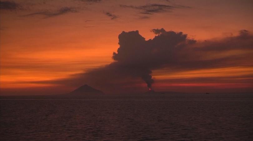 снимка 3 Броят на жертвите след опустошителното цунами в Индонезия продължава да расте