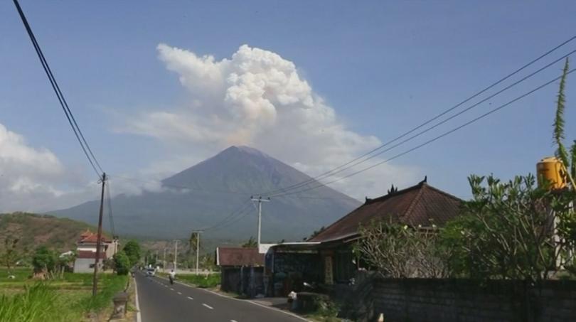 снимка 5 Броят на жертвите след опустошителното цунами в Индонезия продължава да расте