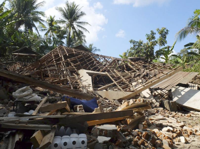 Броят на жертвите на земетресението на индонезийския остров Ломбок вече