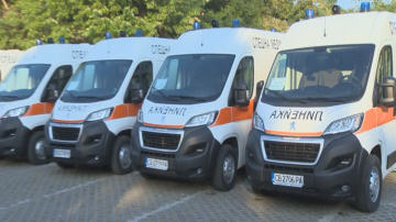 25 нови линейки ще бъдат разпределени в центровете за спешна помощ