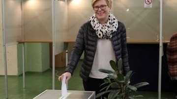 Приключиха изборите за президент и двата референдума в Литва