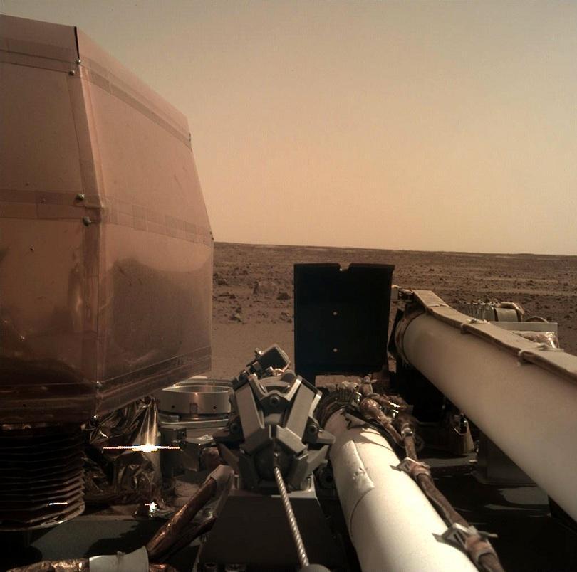 Снимка: НАСА потвърди успешното кацане на Марс на ИнСайт