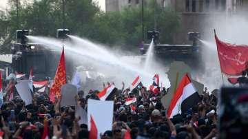 Двама убити и над 200 ранени при протести в Ирак