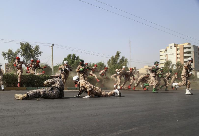 Д,ен след нападението на военен парад, при което загинаха 25
