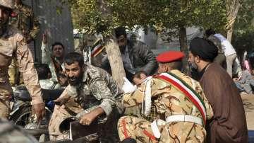 Десетки жертви и ранени при нападението на военния парад в Иран