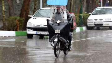 Най-малко 21 души загинаха при наводнения в Иран