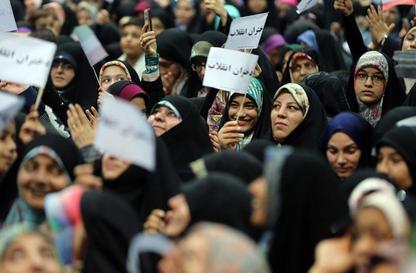 Иран ще позволи на жени да посетят стадиона за световната