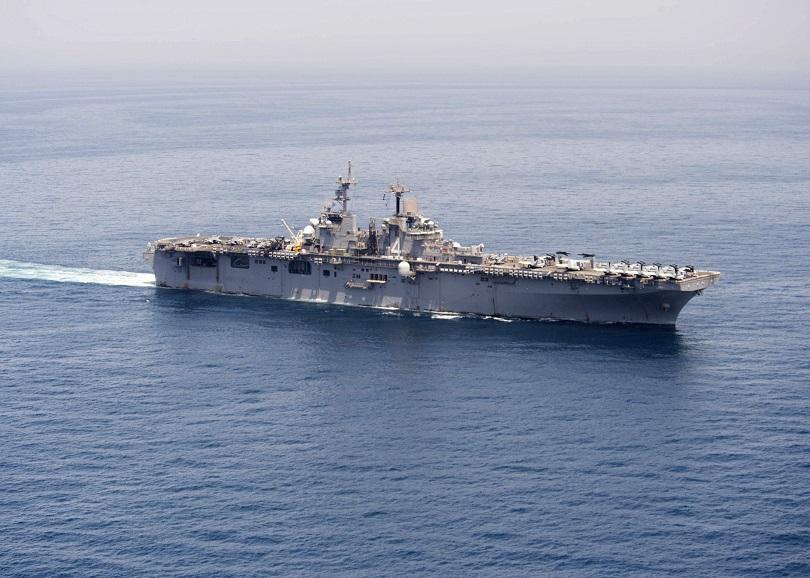 Катер на иранската брегова охрана принудил танкер, плаващ под алжирски