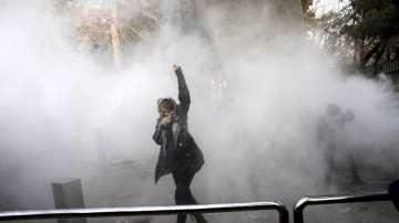 Две жертви на антиправителствените протести в Иран