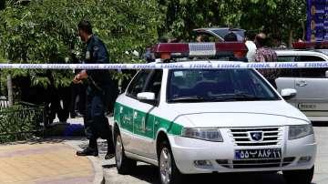 Взривове край гробницата на Хомейни и в иранския парламент