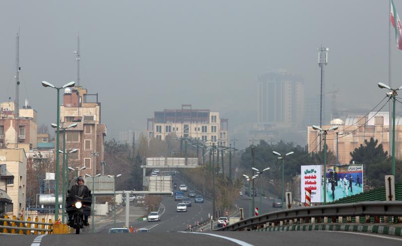 снимка 4 Затвориха училища в Иран заради мръсния въздух