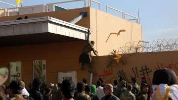 Американското посолство в Багдад за момента прекратява работа
