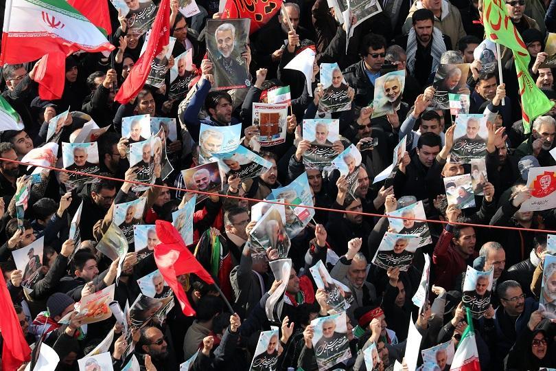 Отлагат погребението на генерал Солеймани заради десетки жертви при прощаването