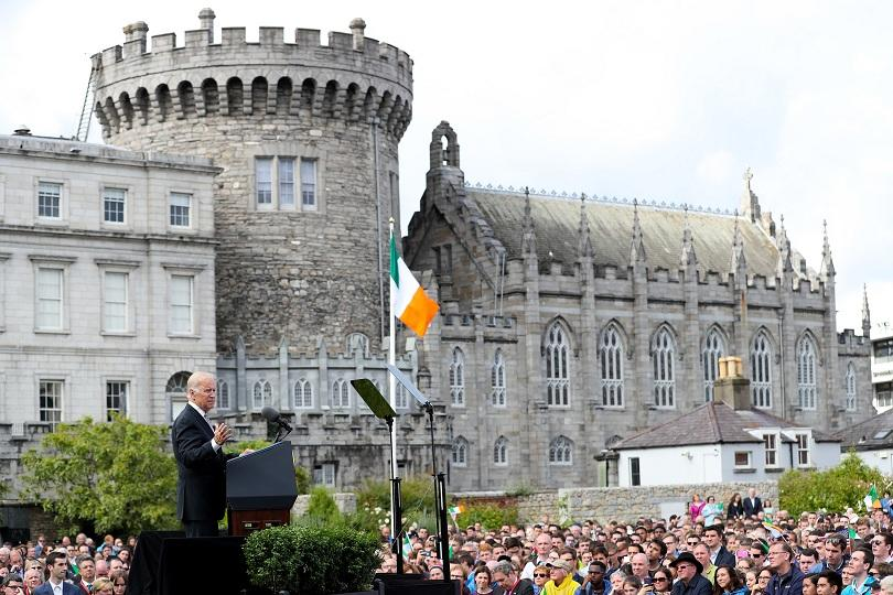"""""""Исторически ден за Ирландия"""" - така премиерът Лио Варадкар определи"""