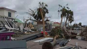Бушуващите урагани ще струват на застрахователите 200 милиарда долара