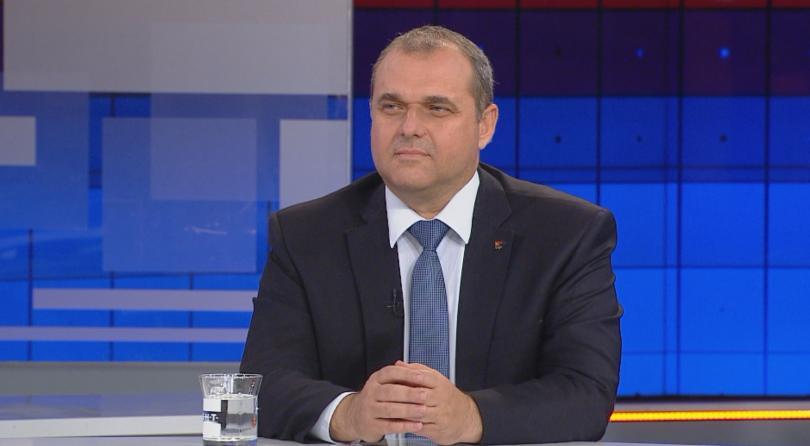 Валери Симеонов остава на поста вицепремиер, не поискахме оставката, защото