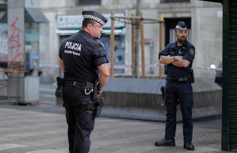 испания арестуваха души детска порнография