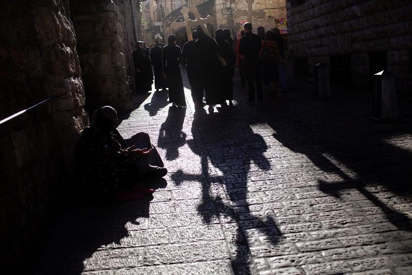 снимка 1 Православният свят отбелязва деня на Христовите страдания