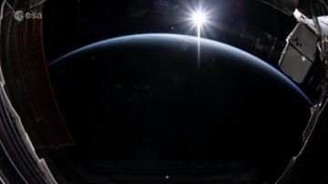 Как изглежда изгревът, видян от Международната космическа станция (ВИДЕО)