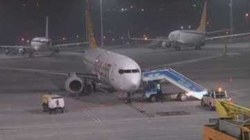 Една жена загина при взрив на летище в Истанбул