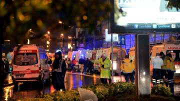 Стрелба в нощен клуб в Истанбул, има загинали (СНИМКИ + ВИДЕО)